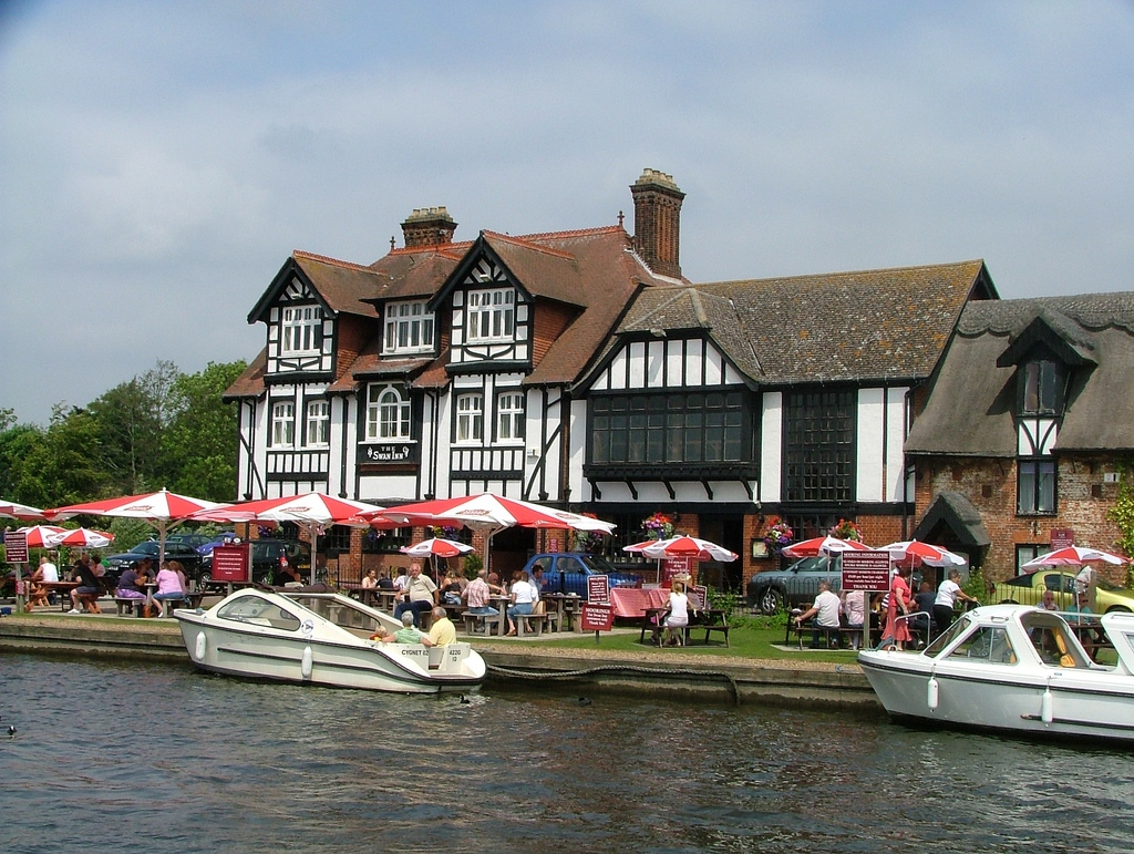 norfolk-broads-pub