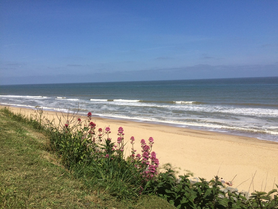 Beachside Holidays Norfolk for seaside holiday accommodation next to our sandy beach with stunning sea views