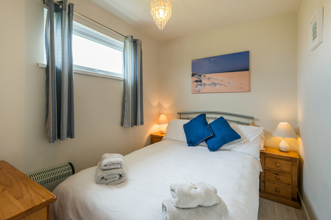 Hickling chalet double bedroom, self catering chalet accommodation Great Yarmouth Norfolk